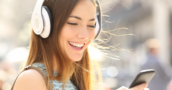 Smartphone Entertainment: The Lifestyle Benefits of Music Trivia Games