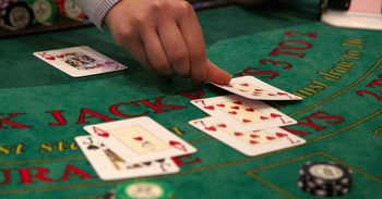 Best Blackjack Games with Vegas Style Tables
