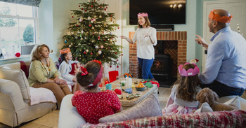 🎄 🎲 Play Christmas Party Games with The Best Guess The Word Games