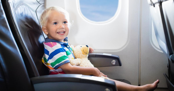 ✈️ 👶 Fly Stress-Free With Kids with The Best Apps for Finding Flights