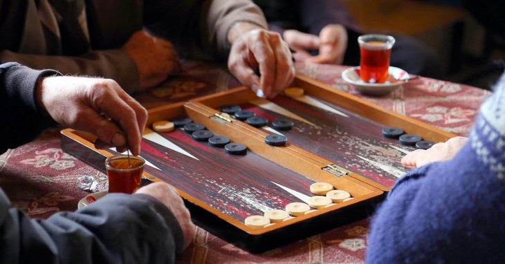 5 Tips for Playing Backgammon