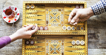 Top Backgammon Games to Play Against Real Players Online