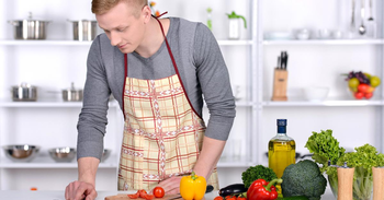 Top Apps to Learn Cooking for People Living Solo