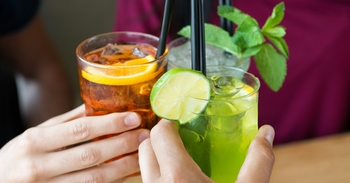 Best 10 Apps for Finding Happy Hour